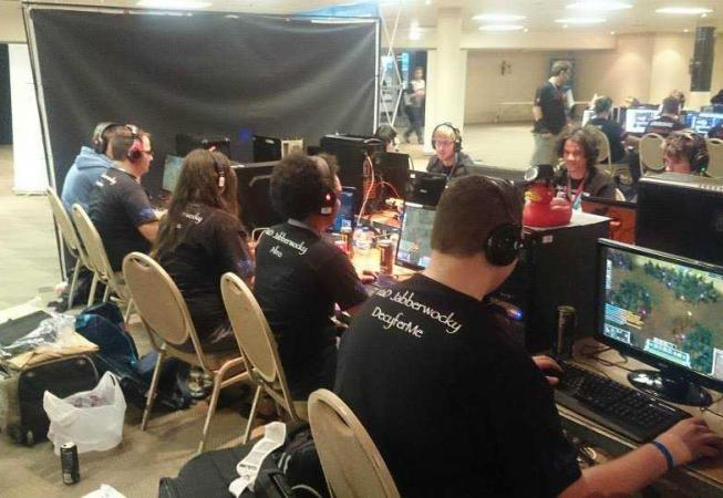 MaDRaven Playing a match at the Do Gaming Championship 2014